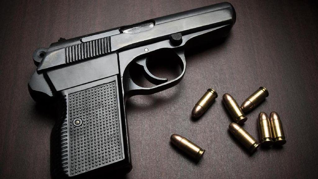Polisi Selidiki Pria yang Acungkan Pistol Saat Ribut di Pekanbaru