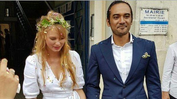 Ario Bayu nikahi Valentine Payen di Prancis.