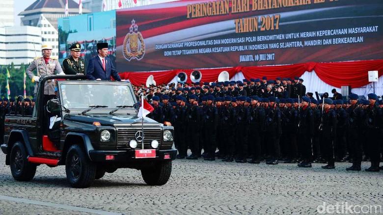 Jokowi Hadiri Upacara HUT Bhayangkara