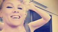 Unggah Selfie Menyusui di Instagram, Pink Panen Pujian