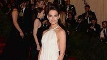 Katie Holmes dan Misteri Scientology dalam Perkawinan dengan Tom Cruise