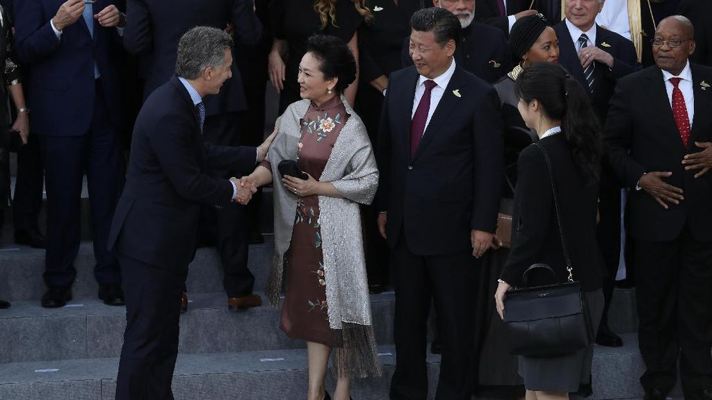Foto: Ibu Negara China Saingi Gaya Stylish Melania Trump di KTT G20