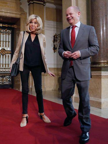 Foto: Penampilan Istri Presiden Prancis yang Lebih Tua 24 Tahun dari Suami