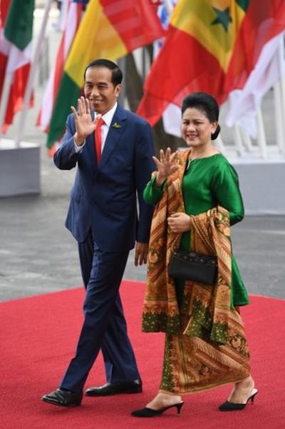 Ini Model Baju Andalan Iriana Jokowi Saat Temui Tamu Kenegaraan
