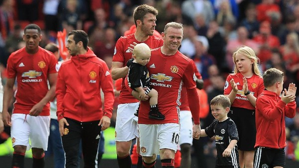 Kesan MU Tentang Rooney: Striker dan Kapten Terhebat, Juga Teman Terbaik