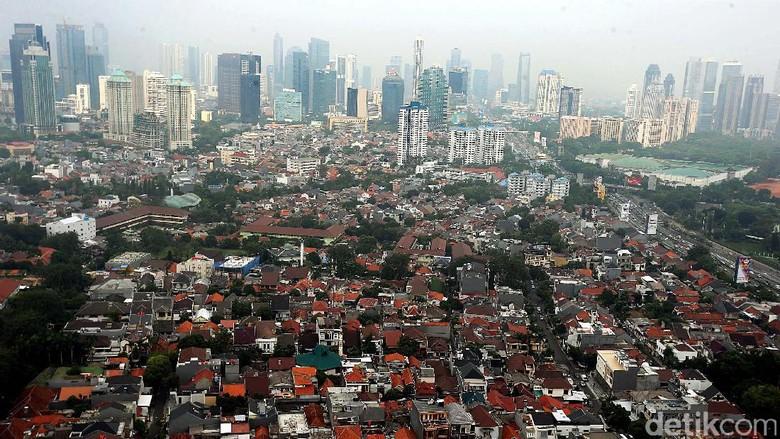 DKI Jakarta sebagai ibu kota merupakan wajah dari Indonesia. Berikut potret kawasan padat penduduk di Jakarta Pusat. Penasaran?