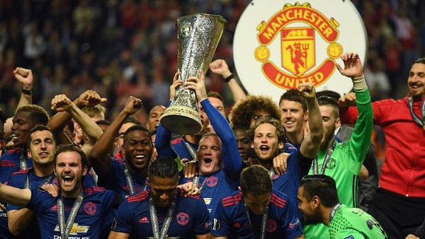 Momen Terbaik Rooney di MU: Gol Salto ke Gawang City atau…?