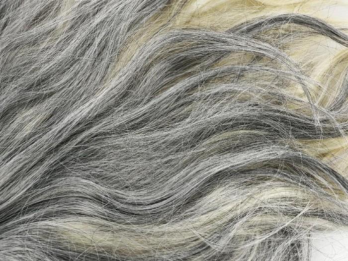 Beberapa pasien kanker paru melaporkan rambut mereka yang beruban tiba-tiba saja kembali menghitam. (Foto: Thinkstock)