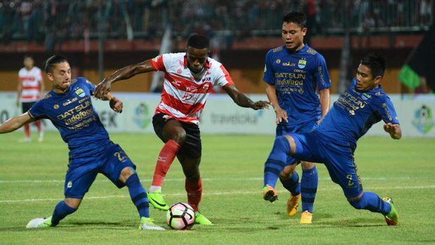 Greg Persembahkan Gol di Timnas Indonesia untuk Calon Bayi