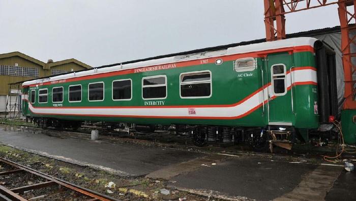 Bangladesh, negara di Asia Selatan, kepincut produk kereta nasional produksi PT INKA (Persero). Bangladesh memesan sejumlah kereta buatan PT INKA.