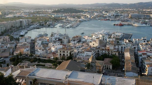 IBIZA, SPAIN - JUNE 07:  A general view is seen of Eivissa Old Town marina on June 7, 2007 in Spain Ibiza. Ibiza remains one of the world's top holiday destinations for young people from around the world. For the last decade or so the island has been a mecca for clubbers with some of the bigger clubs drawing crowds of up to four thousand in peak season. The interior of the island remains a place of solitude and unspoilt natural beauty whilst coastal resorts cater for the masses of the package holiday industry.  (Photo by Chris Jackson/Getty Images)