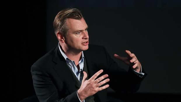 LONDON, ENGLAND - OCTOBER 09:  Christopher Nolan speaks at the LFF: Connects: Film - Reframing the Future of Film discussion at BFI Southbank on October 9, 2015 in London, England.  (Photo by Stuart C. Wilson/Getty Images for BFI)