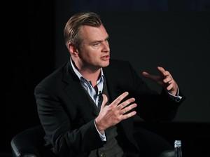 Kemegahan yang Gelap dari Sosok Christopher Nolan