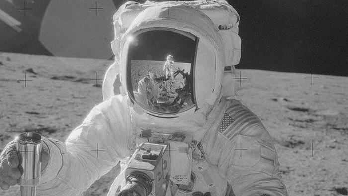 NASA Pamer Foto Penjelajahan Astronaut ke Bulan