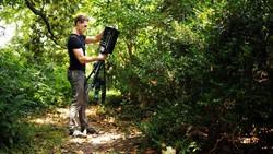 Perusahan teknologi raksasa Microsoft mengembangkan robot yang dapat membantu para peneliti untuk melawan nyamuk dan beragam penyakit yang dibawanya.