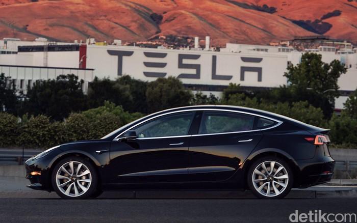 Ilustrasi mobil listrik Tesla. Foto: Elon Musk