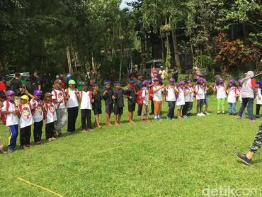 Di sini, lebih dari 100 peserta yang berasal dari berbagai kota di Indonesia juga bisa bertemu anak penduduk lokal dan juga si Bolang dari Baduy. (Foto: Dian/HaiBunda)