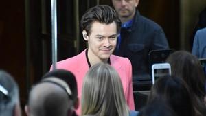 Harry Styles Ungkap soal Biseksual Lewat Lagu Baru Medicine?
