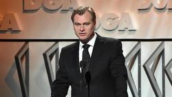 Christopher Nolan Geram Warner Bros Rilis Film Secara Streaming