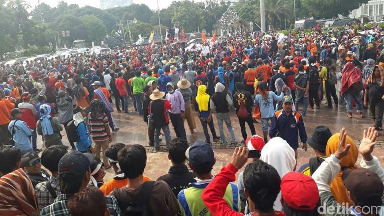Usai Bertemu Teten, Massa Nelayan yang Demo Depan Istana Bubar