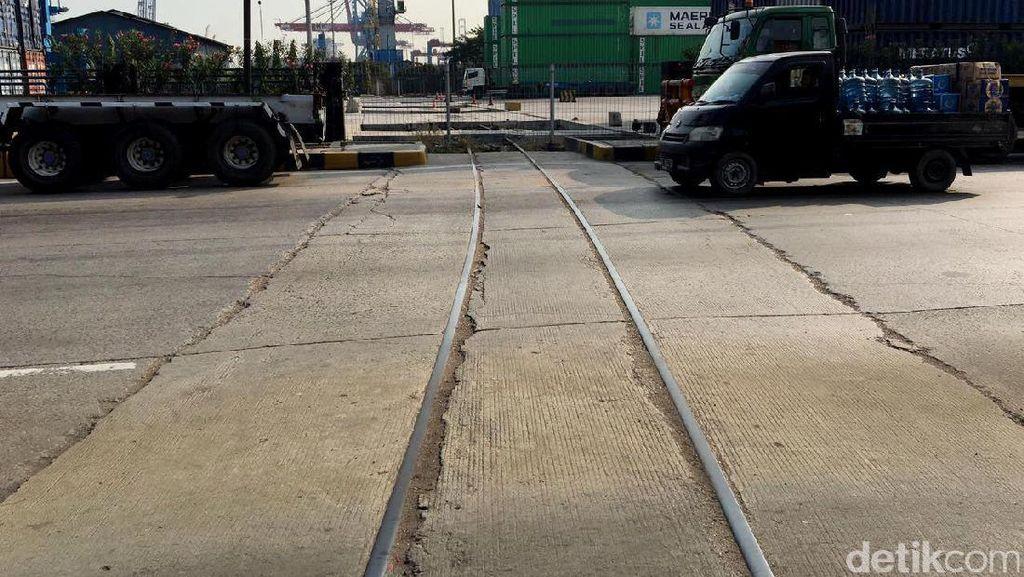 Aduh! Rel Kereta Pelabuhan yang Dikepret Rizal Ramli Mati Lagi