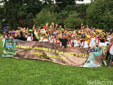 Keseruan anak-anak itu terpancar ketika mereka mengikuti Jambore si Bolang di Lembur Pancawati, Bogor. (Foto: Dian/HaiBunda)