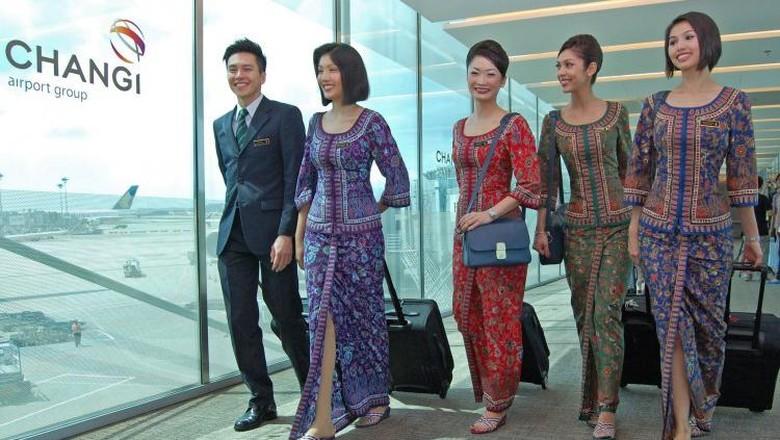 Seragam pramugari paling stylish dari Singapore Airlines