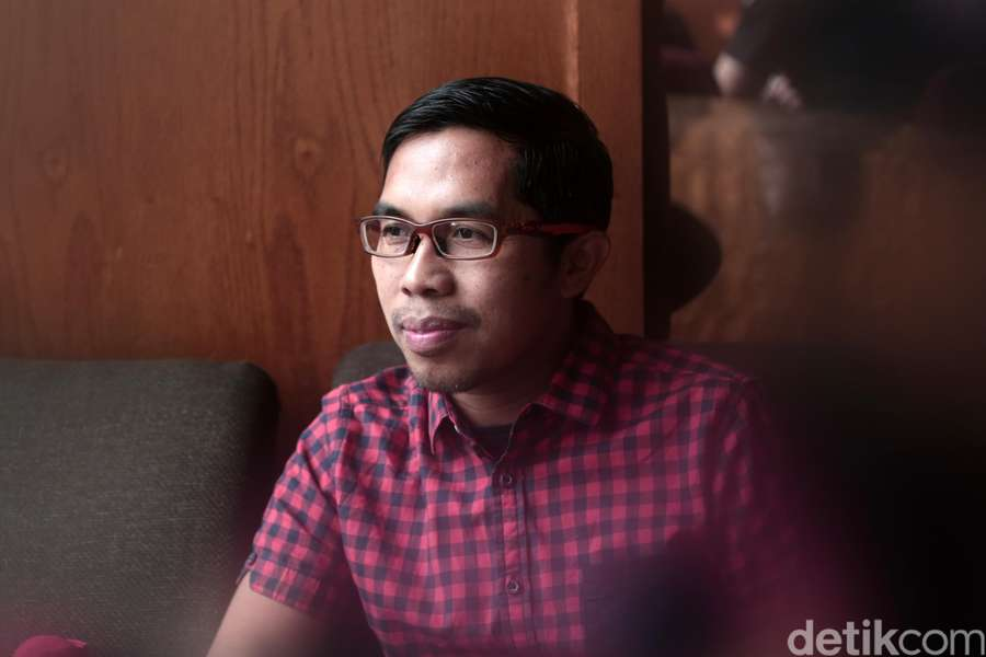 Ngobrol Seru Bareng Ahmad Fuadi