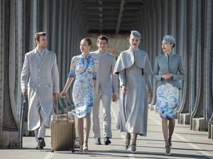 Foto: Modisnya Seragam Baru Pramugari Hainan Airlines