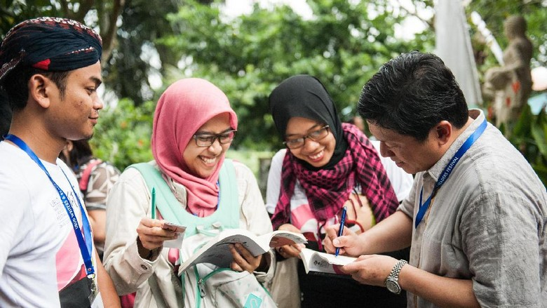 15 Penulis Muda Terpilih di Ubud Writers and Readers Festival 2017