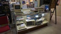 Komputer pada masa dahulunya yang dapat kita temukan di dalam museum (vrcmct.org)