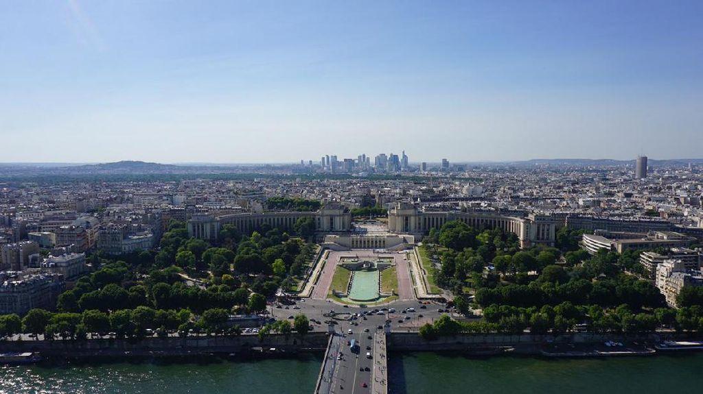 Dilanda Gelombang Panas, Paris Larang 5 Juta Mobil Melintas