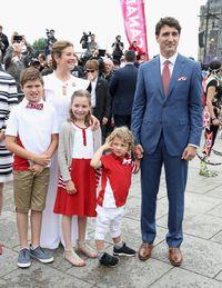 Foto: Gaya Maskulin Justin Trudeau, PM Kanada yang Tampan Mempesona
