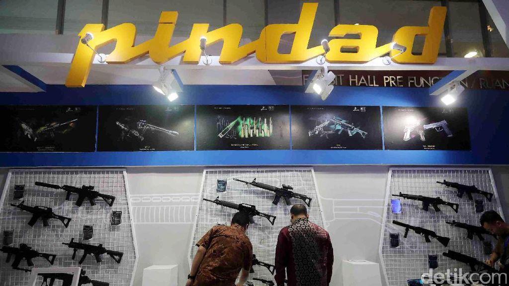 Luhut Rapat soal Penguatan Industri Senjata RI, Ini Hasilnya