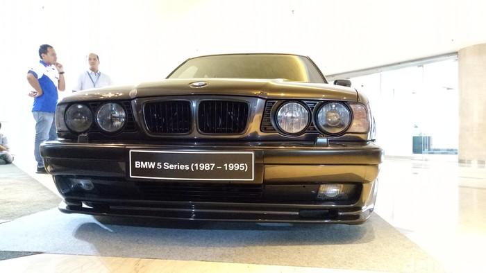 BMW 5 All Series di Thamrin Nine Ballroom, Jakarta Pusat