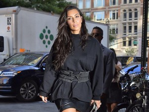 Kim Kardashian Kok Bisa Susui Bayi yang Lahir Via Ibu Pengganti?