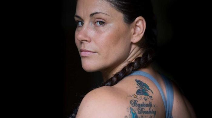 Depresi pasca melahirkan bisa dialami ibu manapun. Shantelle Thompson mengalahkannya dengan teknik belajar bela diri asal Brazil, jiu-jitsu. (Foto: ABC Australia/Jane Cowan)