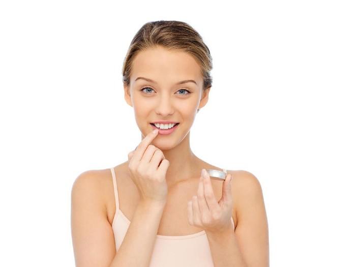 Mencegah bibir kering saat puasa Foto: Thinkstock