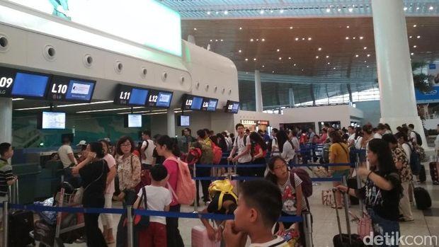 Naik Pesawat dan Kereta Cepat di China, Mahal Mana?
