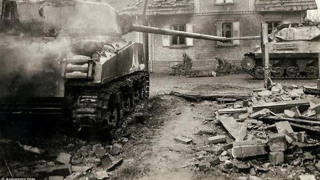 Kakek Didenda Rp 4,2 M Gegara Simpan dan Pakai Keliling Tank Perang Dunia II