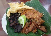 Makanan khas Malang yang bikin kangen, nasi pecel.
