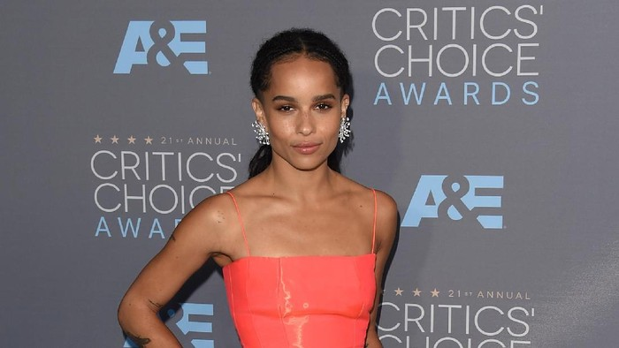 SANTA MONICA, CA - JANUARY 17: Actress Zoe Kravitz attends the 21st Annual Critics Choice Awards at Barker Hangar on January 17, 2016 in Santa Monica, California.  (Photo by Jason Merritt/Getty Images)