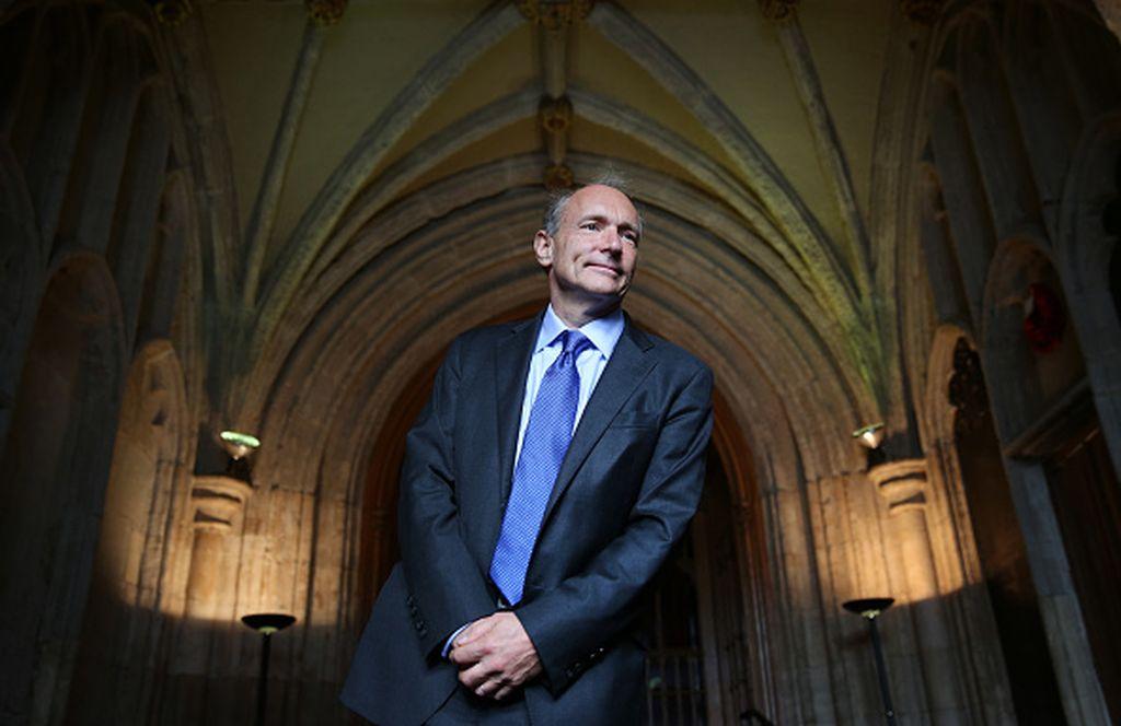 Tim Berners Lee adalah ilmuwan kelahiran Inggris 63 tahun lampau. Dia lulusan kampus sangat bergengsi, Oxford University. Foto: Getty Images