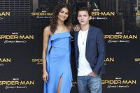 Tom Holland dan Zendaya Dikabarkan Kencan, Film Spider-Man Ajang Cari Jodoh?