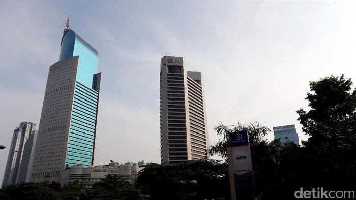 Ibu kota Jakarta terus mengalami perkembangan. Seiring dengan perkembangan tersebut, gedung-gedung pencakar langit banyak menjulang tinggi. Ini penampakannya.