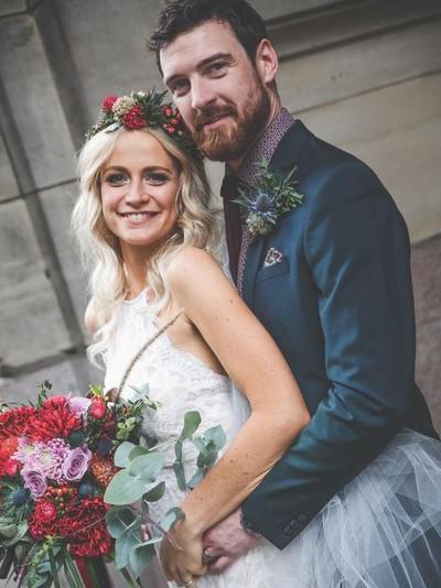 Emilyrose Fitzpatrick dan Rory menggelar pesta pernikahan. Foto: Dok. Daily Record