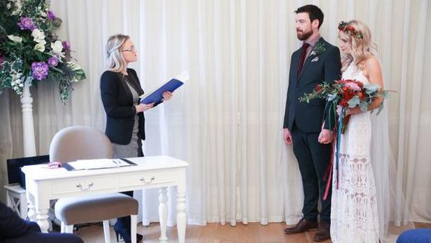 Emilyrose Fitzpatrick dan Rory menggelar pesta pernikahan.