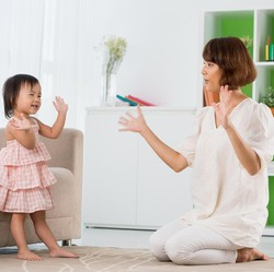 5 Manfaat Ajak Anak Nyanyi Lagu Seperti Potong Bebek Angsa