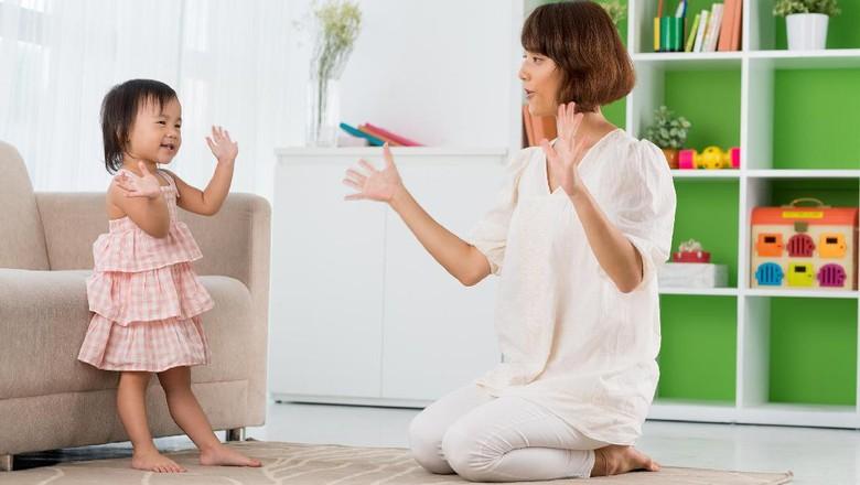 Mengenalkan lagu anak/ Foto: Thinkstock