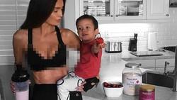 Sarah Stage, model yang hobi fitnes ini tubuhnya tetap langsing dan perutnya tetap sixpack meskipun sedang hamil enam bulan. Bumil jangan iri ya!